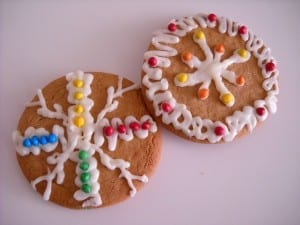 Decorating Yule Cookies from My Kitchen Wand
